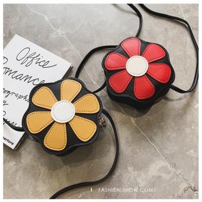 กระเป๋าสะพายทรงดอกไม้ นำเทรนด์เกาหลี มี 6 สี