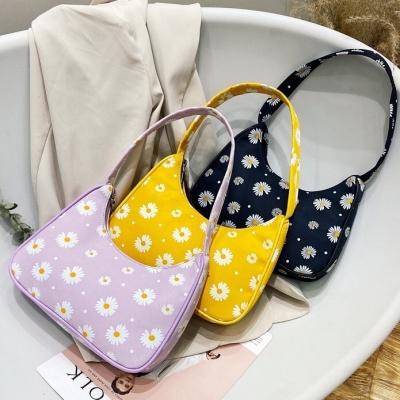 กระเป๋าแฟชั่น มินิลายดอก มี 3 สี