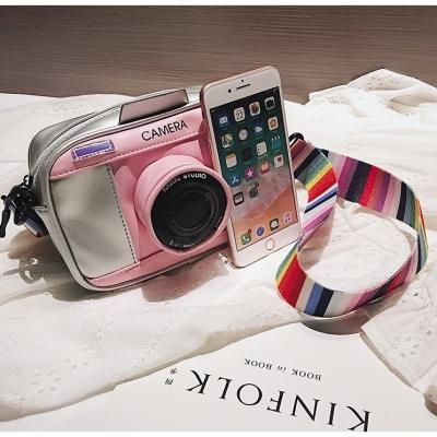 กระเป๋าทรงกล้องถ่ายรูป กำลังอินเทรนด์ มี 3 สี