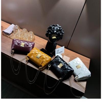 กระเป๋าสะพายข้างสายโซ่ ทรงสี่เหลี่ยมผืนผ้า มี 4 สี