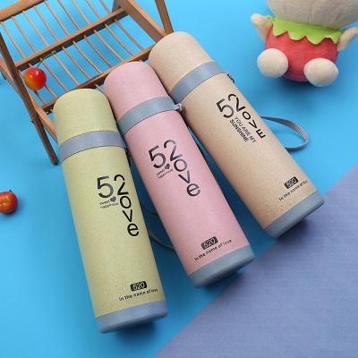 กระบอกน้ำเก็บอณหภูมิLove520 มีให้เลือก 3 สี  (พลาสติก)