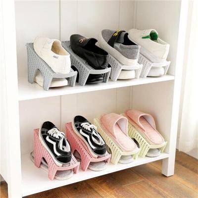 ที่เก็บรองเท้า อุปกรณ์เก็บรองเท้า ประหยัดพื้นที่ คละสี ได้ 1 ชิ้น